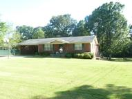 205 Mcclamrock Dr. Booneville MS, 38829