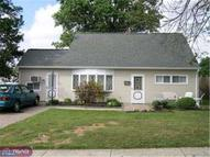 35 Viking Ln Levittown PA, 19054