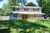 26 Wood Sorrell Ln East Northport NY, 11731