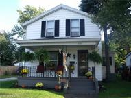 557 Madison St Conneaut OH, 44030