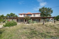 620 County Road 262 Mico TX, 78056