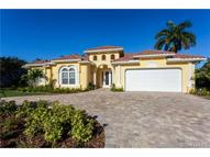 739 Old Trail Dr Naples FL, 34103
