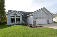 703 Lochmoore Dr Waunakee WI, 53597