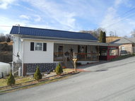 217 Third St North Tazewell VA, 24630