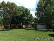 15 Holiday Lane Riverton IL, 62561