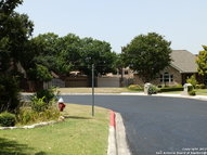 9118 Windgarden Cir Windcrest TX, 78239