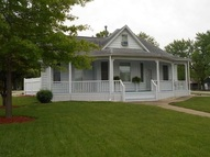 809 S Main Windsor MO, 65360