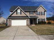 819 Croftwood Dr Gibsonville NC, 27249