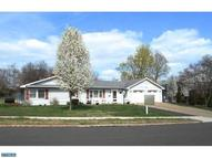 128 Violetwood Dr Levittown PA, 19057