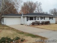 817 E Washington Riverton IL, 62561