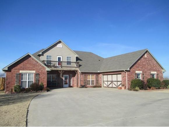 3425 N Lyle Weatherford OK, 73096