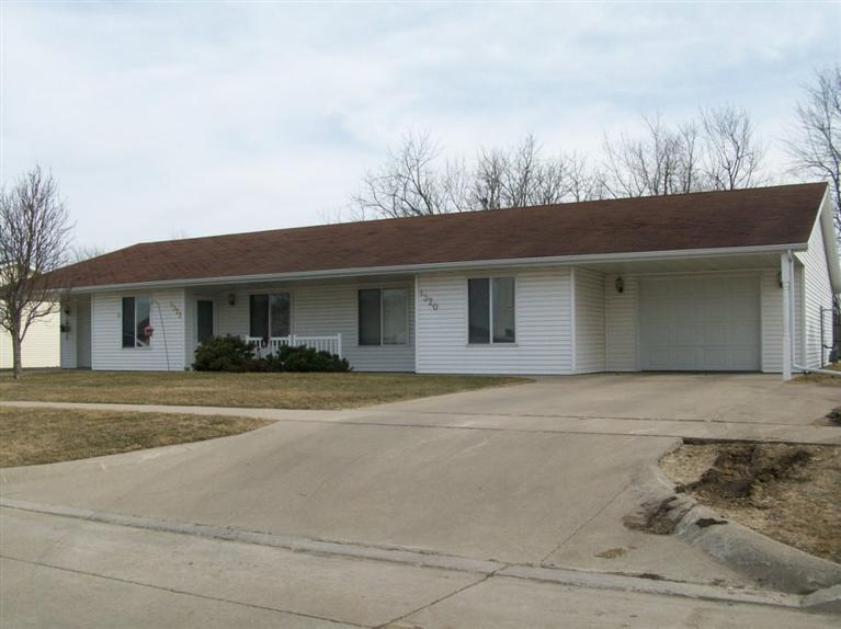 1320-1322 Michael Ave Grinnell IA, 50112