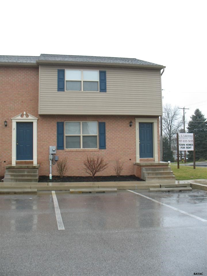 1 Maggie Lynne Ct. New Oxford PA, 17350
