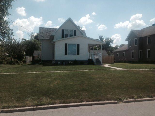 406 State St Dysart IA, 52224